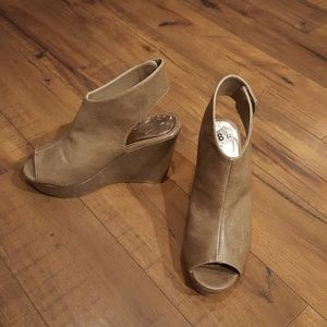Madden Girl - Taupe Gwen Wedges